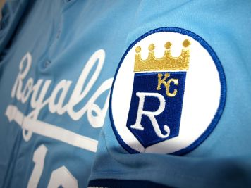 1989_Kansas_City_Royals_away_uniform