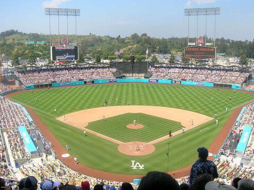 1024px-Dodger_Stadium