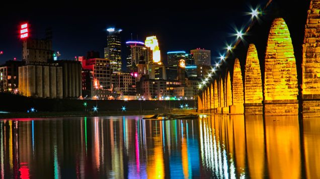 Stone_Arch_Bridge_-_Minneapolis